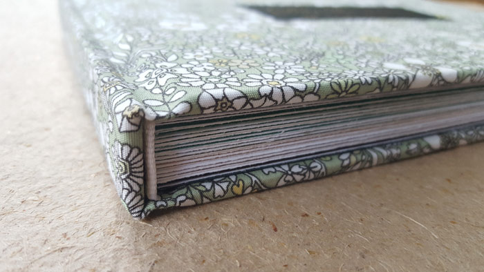 the_binding_studio_guest_book_colour_deckled_pages.jpg