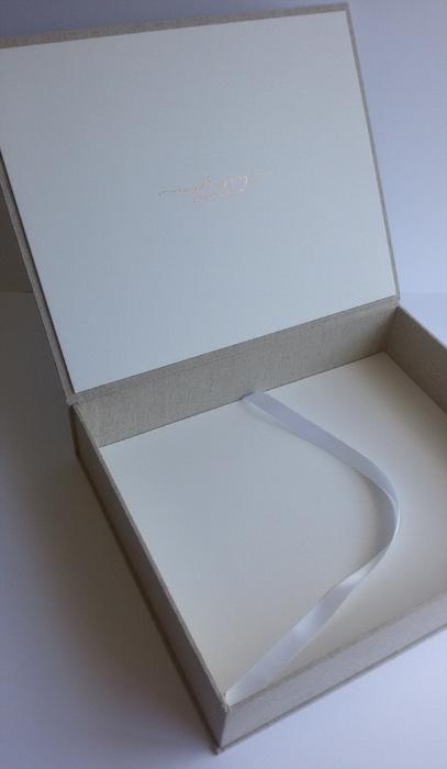 the_binding_studio_boxes_angela_jury_open.jpg