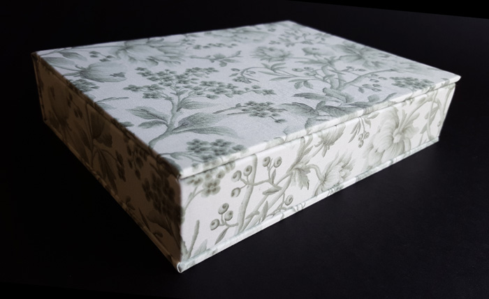 the_binding_studio_boxes_custom_fabricl.jpg