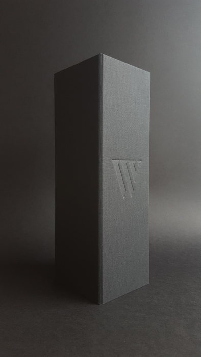 the_binding_studio_boxes_material_wine_closed.jpg