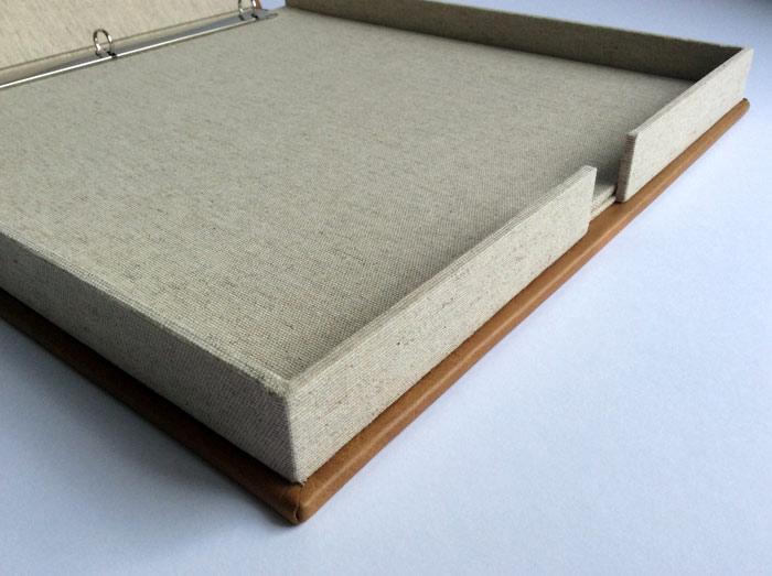 the_binding_studio_portfolio_box_folder_leather_thumbhole.jpg