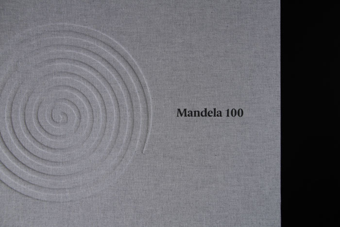 2_the_binding_studio_mandela100_box_uv_detail_web.jpg