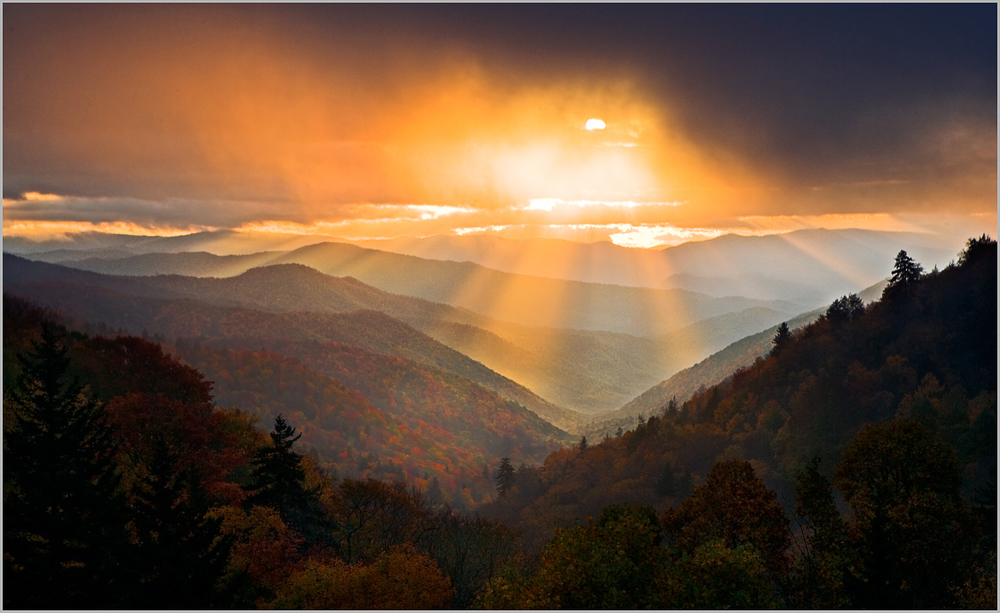 Sunrise at Oconaluftee Overlook in Great Smoky Mountains National Park
