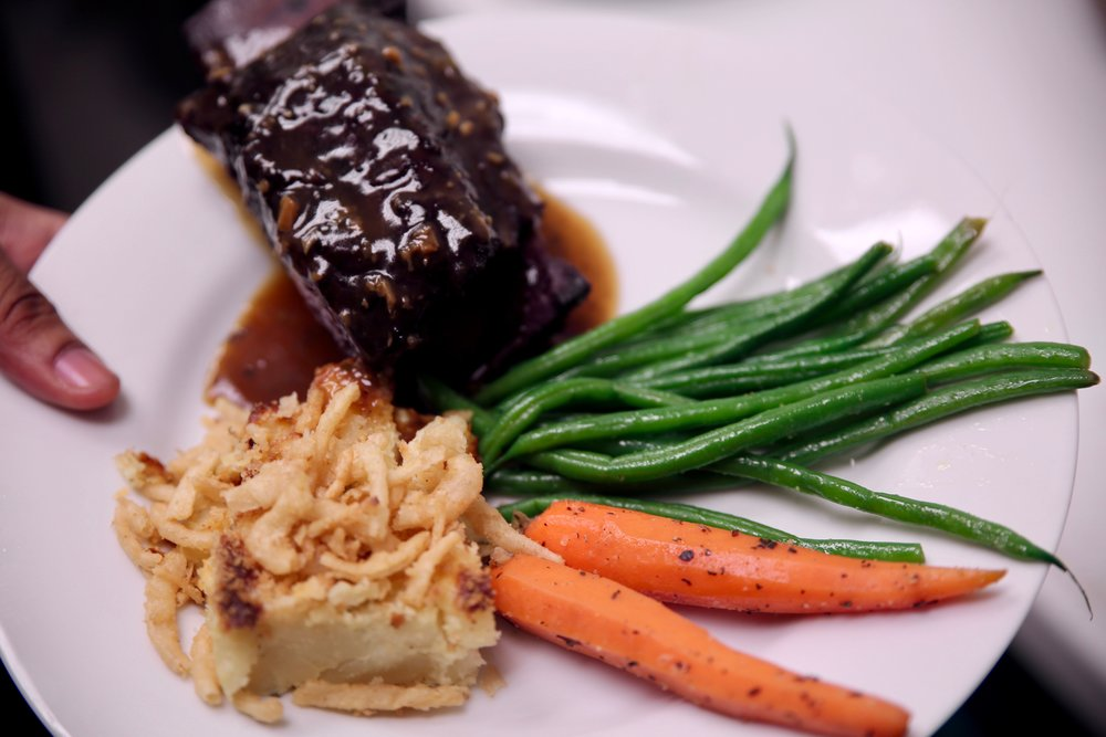 Short ribs plating.jpg