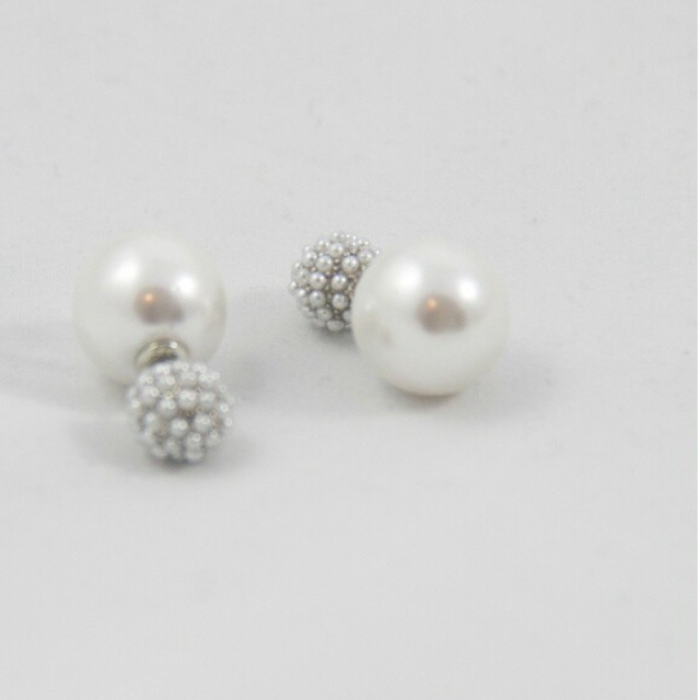 Peekaboo Pearl Earrings #PeekabooEarring #simpleandchic #CoolAccessories