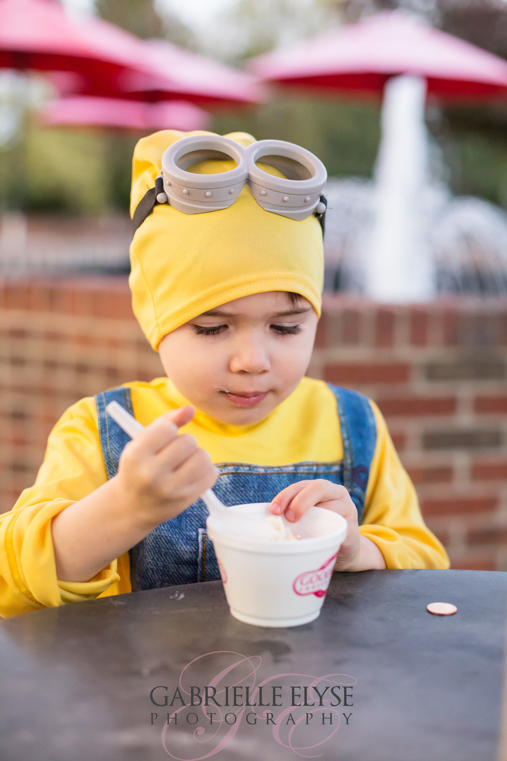 Everyone knows my love of Goodberry's.  This minion does too- picture may look familiar as I had submitted it to Goodberry's for a chance to win a Gift Card for their Halloween giveaway....we won one :)