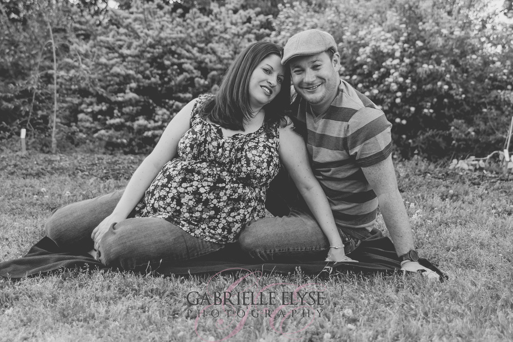 black and white maternity session