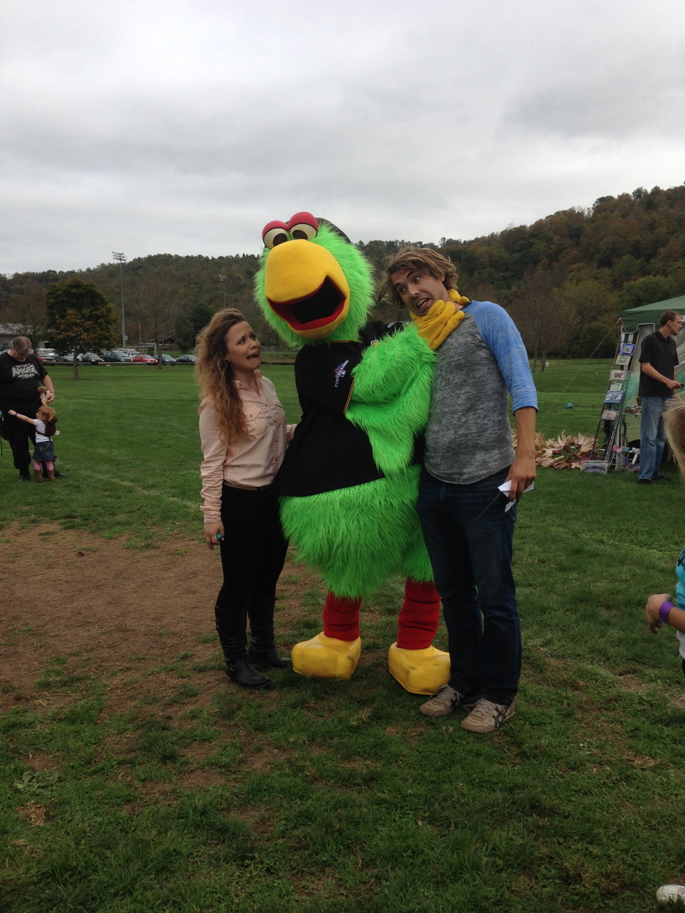 "BECOMING ""FRIENDS"" WITH THE PITTSBURGH PIRATES' PARROT AT THE BE. FESTIVAL"