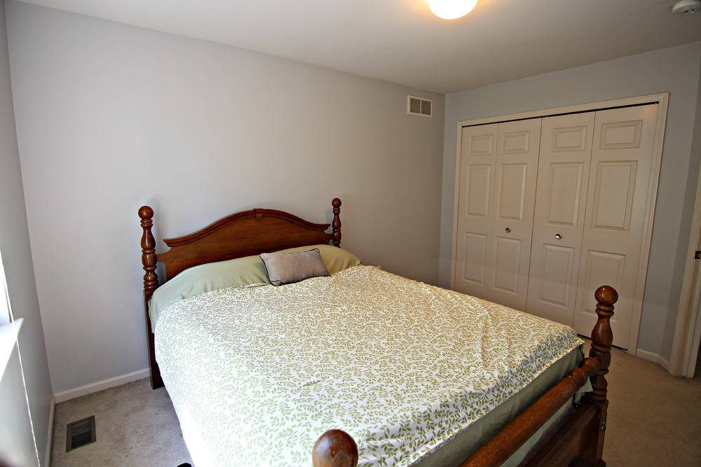 Arlene Ln Bedroom 1.jpg