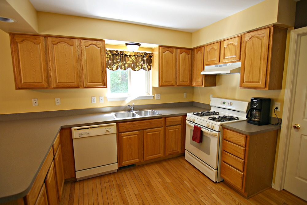 Arlene Ln Kitchen 2.jpg