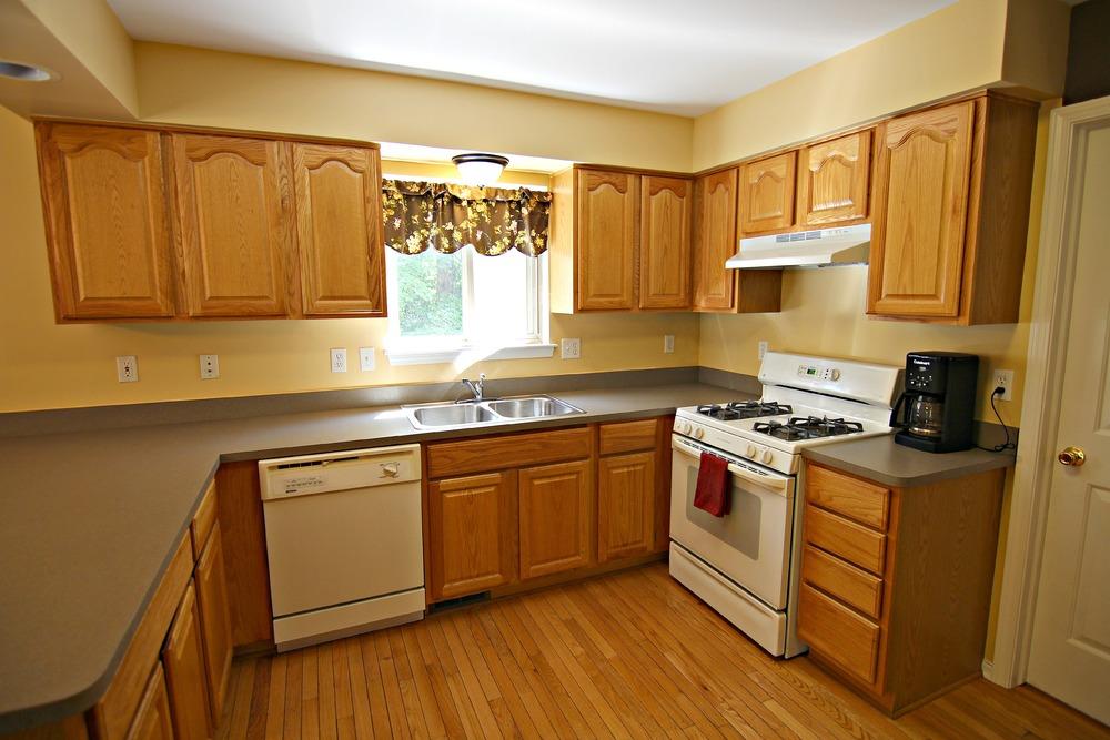 Arlene Ln Kitchen 2.jpg