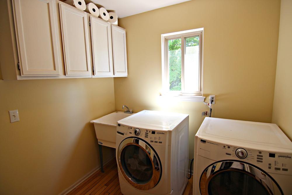 Arlene Ln Laundry Room.jpg