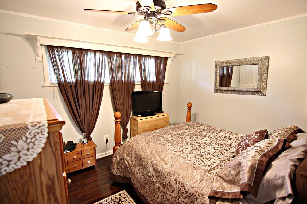 Savage Rd Bedroom 1.jpg