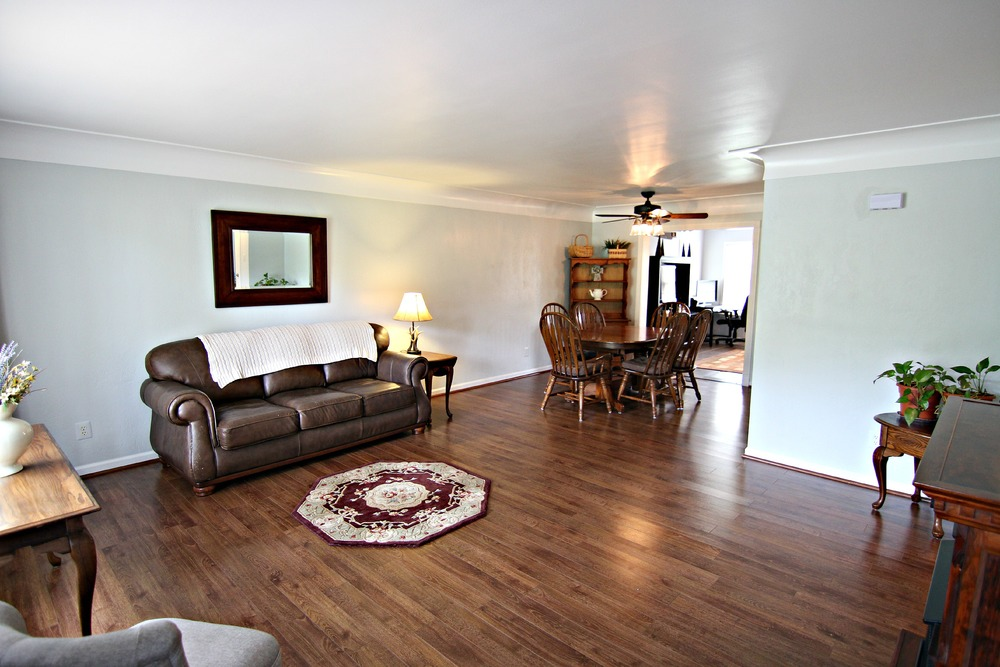 Savage Rd Great Room 3.jpg