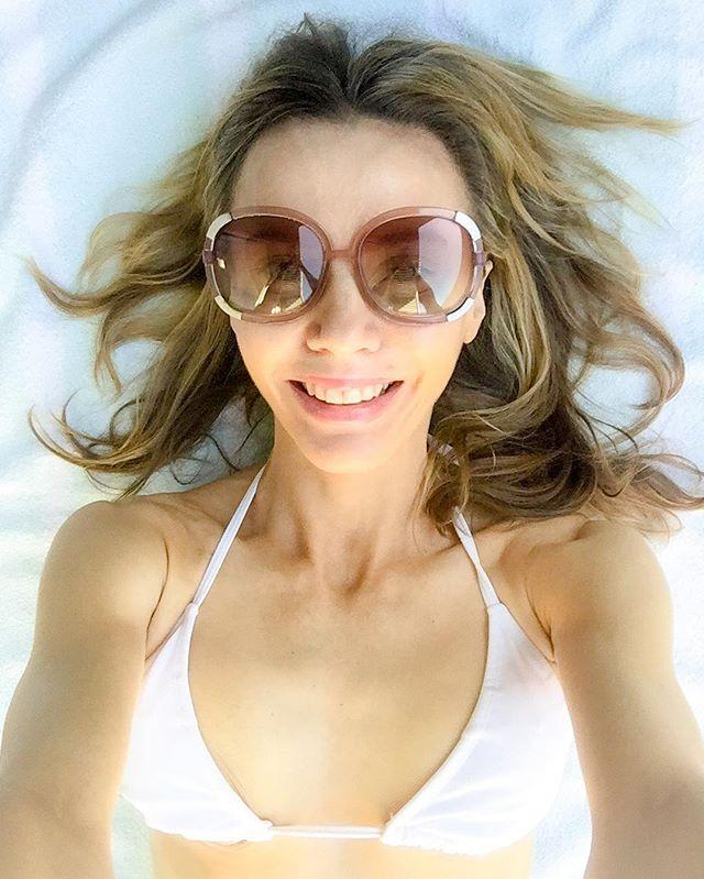 The standard beach selfie! 😂🐬⛱🏖🏝