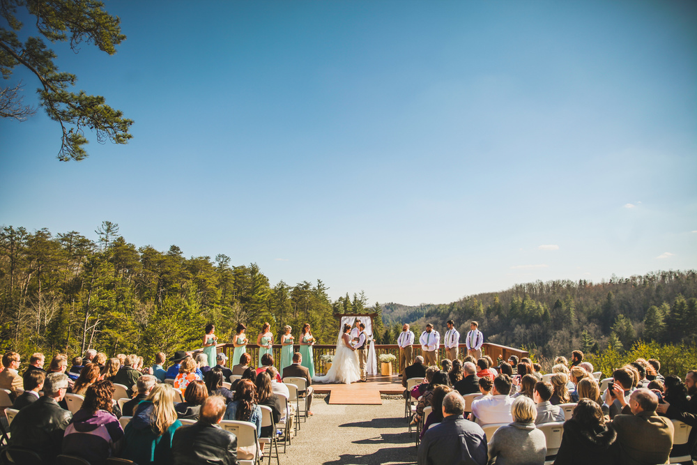 red river gorge cliffview ceremony with blue sky photography
