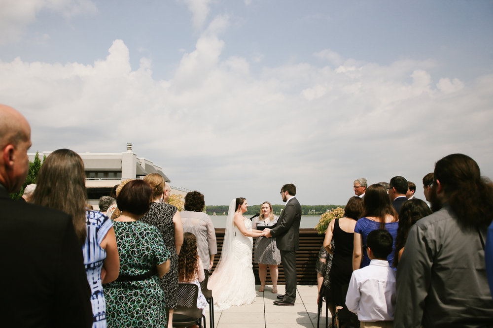 21c-rooftop-Louisville-elegant-kentucky-chicago-wedding-173.jpg