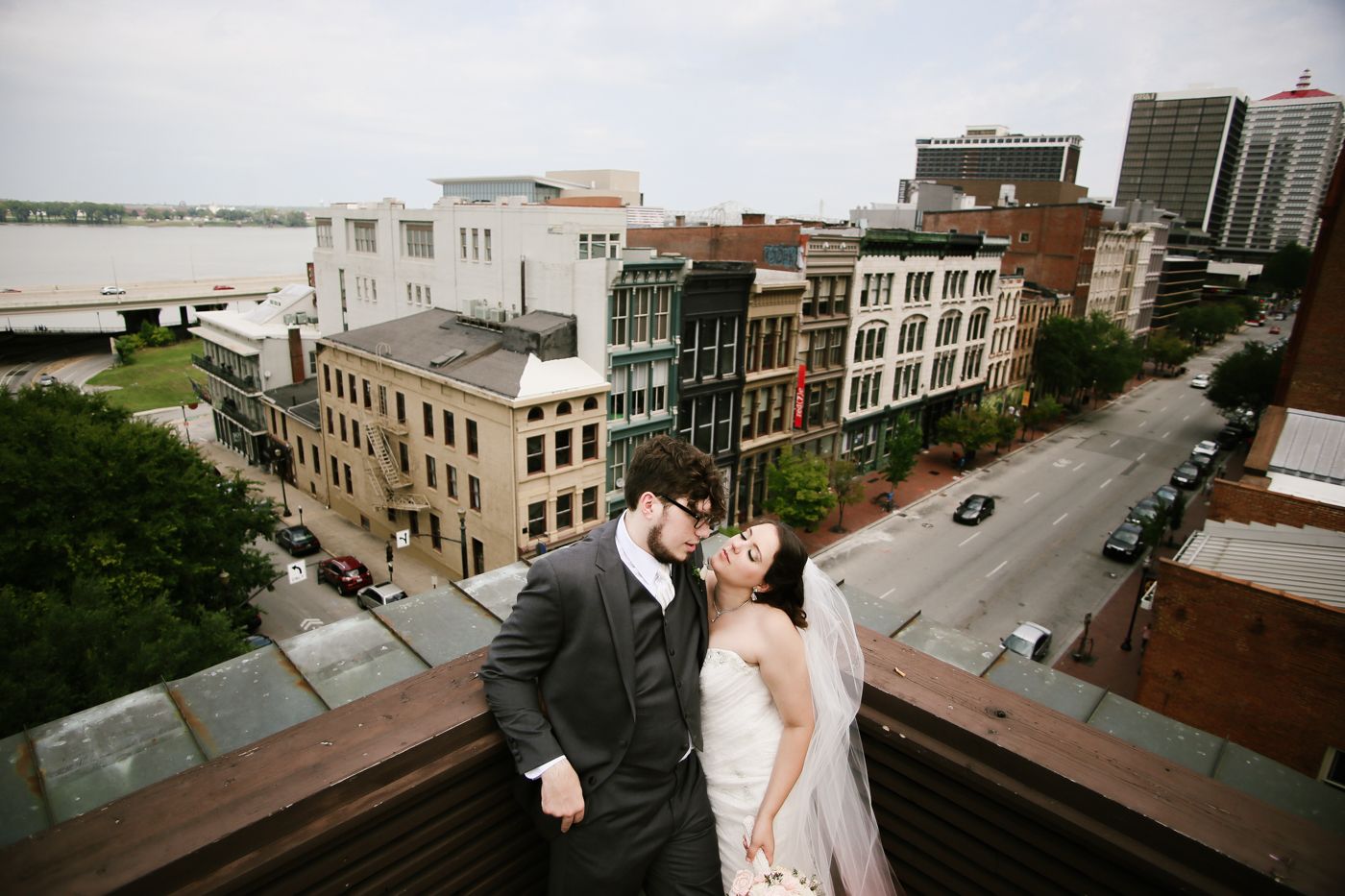 21c-rooftop-Louisville-elegant-kentucky-chicago-wedding-334.jpg