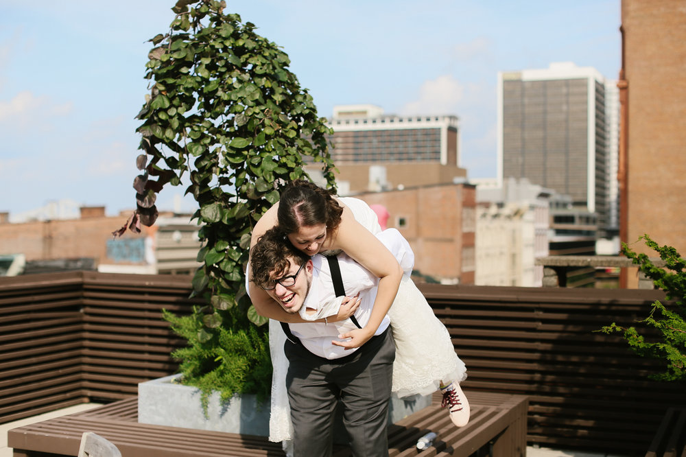 21c-rooftop-Louisville-elegant-kentucky-chicago-wedding-488.jpg