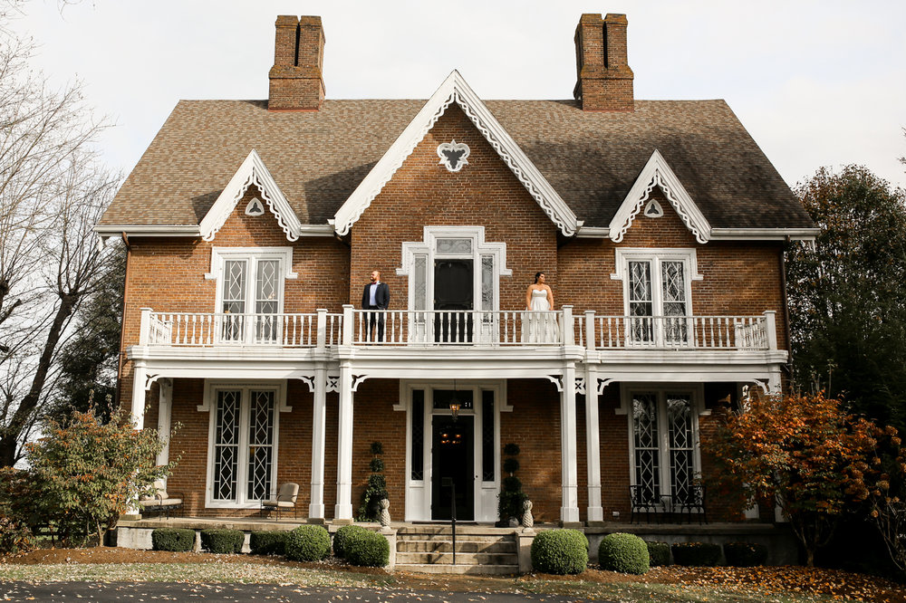 Warrenwood-Manor-Fall-Winter-Barn-Classy-Wedding-18.jpg