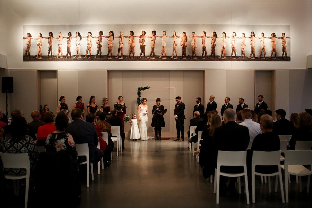 21C-Museum-Hotel-Lexington-Kentucky-Best-Wedding-Photographer-16.jpg
