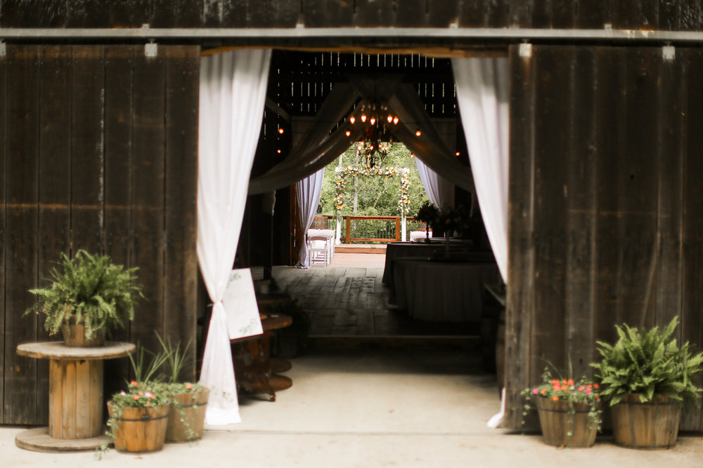 Barn-At-The-Gorge-Red-River-Kentucky-Wedding-4.jpg