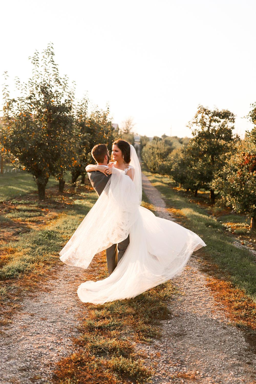 Evans-Orchard-Lexington-Kentucky-Fall-Wedding-28.jpg