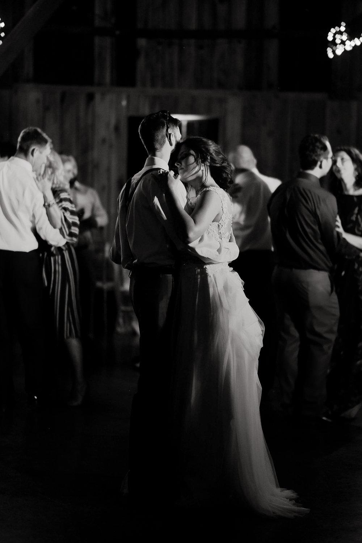Evans-Orchard-Lexington-Kentucky-Fall-Wedding-49.jpg
