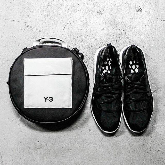Monochrome and shapes #Y3ph #AdidasY3 #YohjiYamamoto