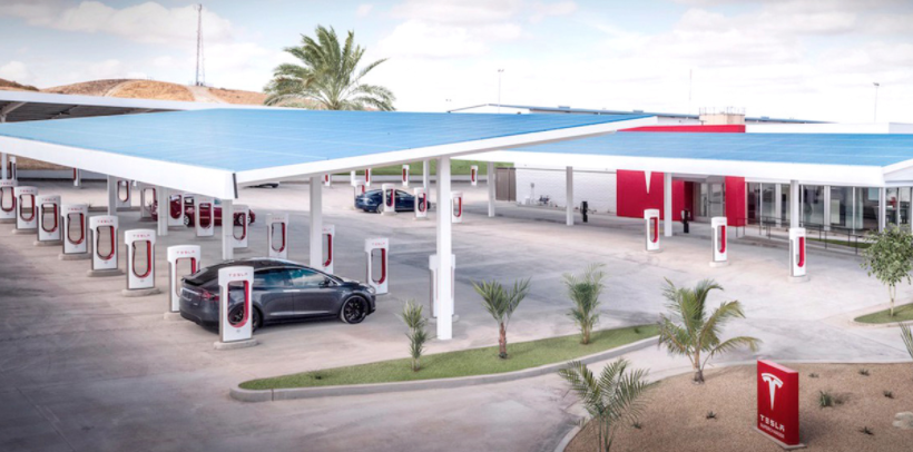 "The 40-stall ""Mega"" Supercharger station in Kettleman City, CaliforniaTesla"