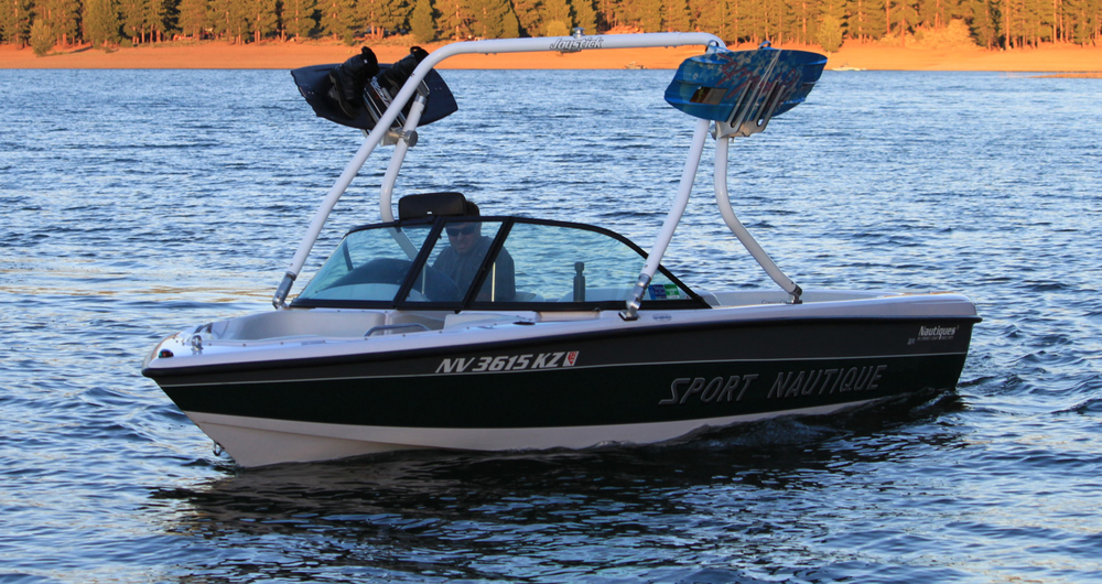 1999 Sport Nautique wakeboard tower