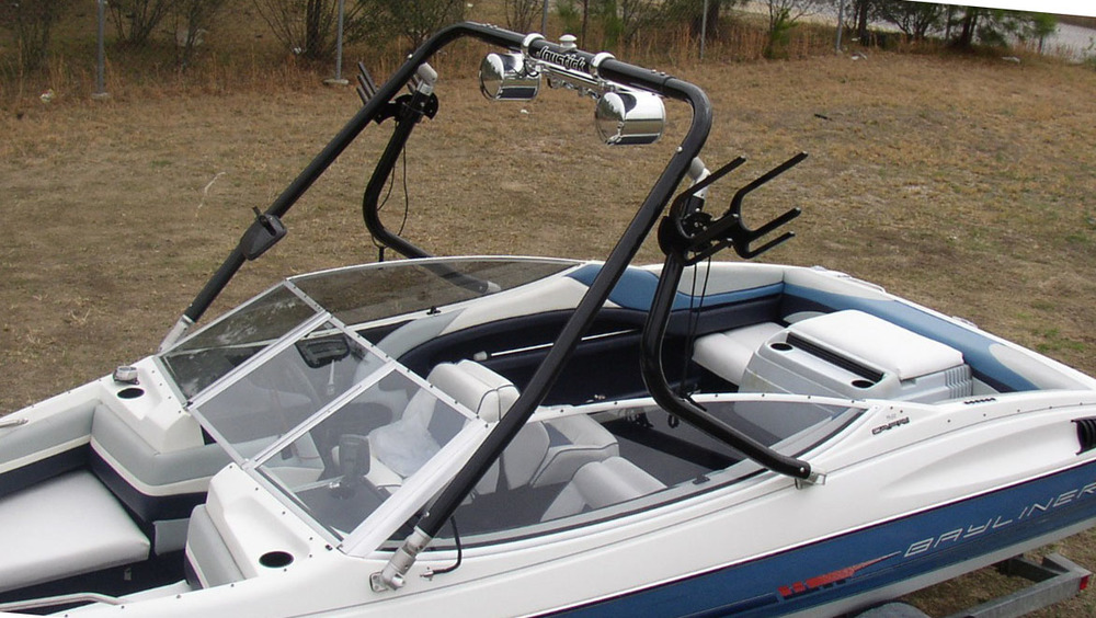 Wakeboard Tower on a 1990 Bayliner 2050
