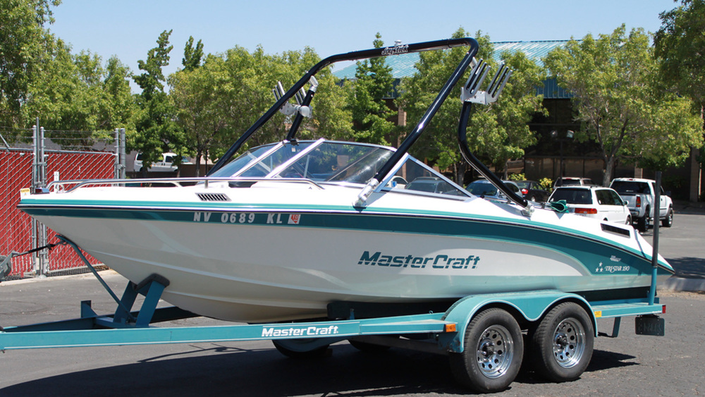 Wakeboard tower on a 1989 Mastercraft tristar 190