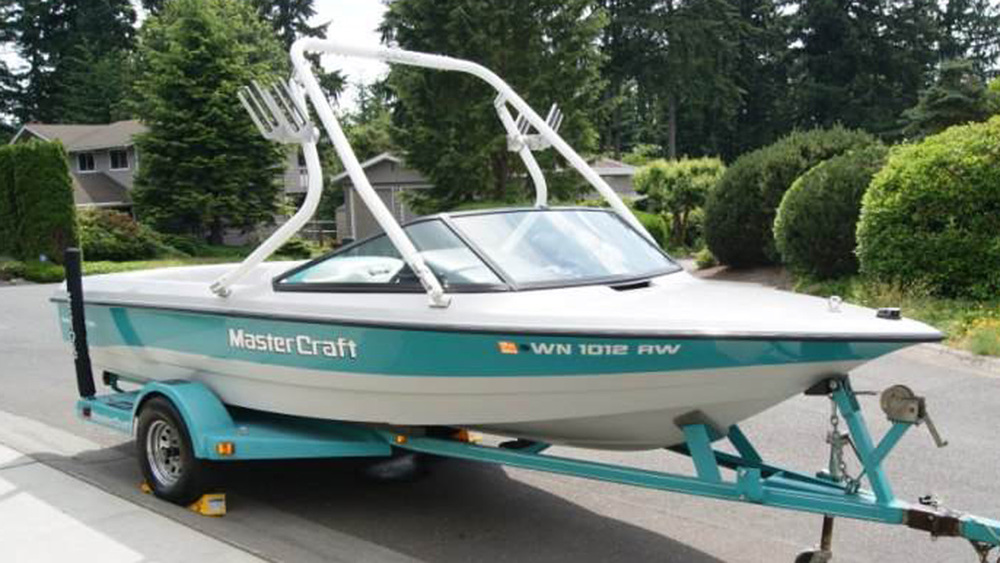 white tower on a 1994 mastercraft prostar 190