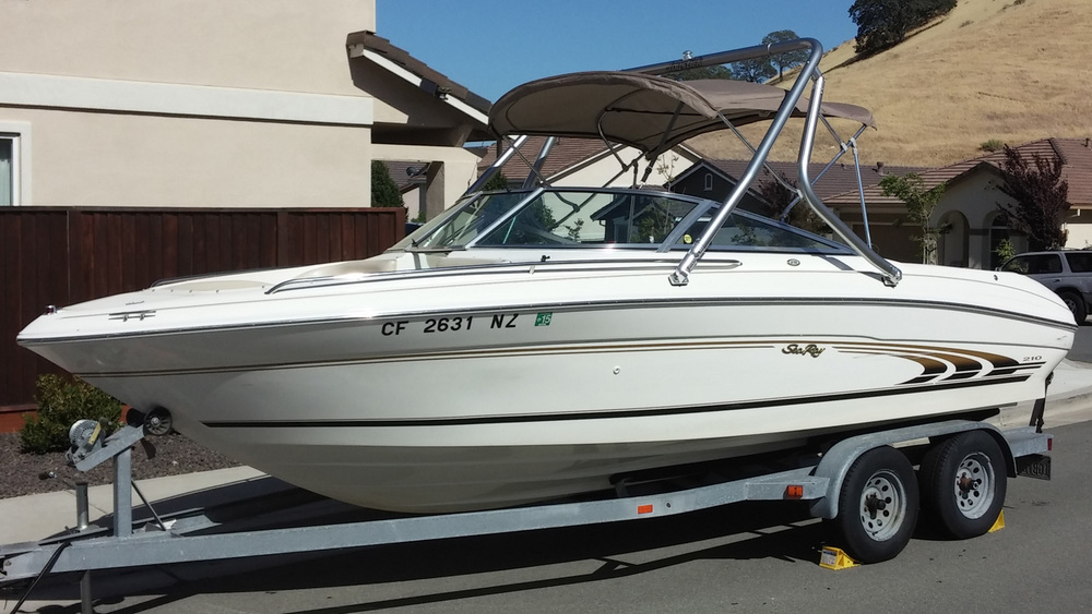 Wakeboard tower on 1997 Sea Ray 210 signature