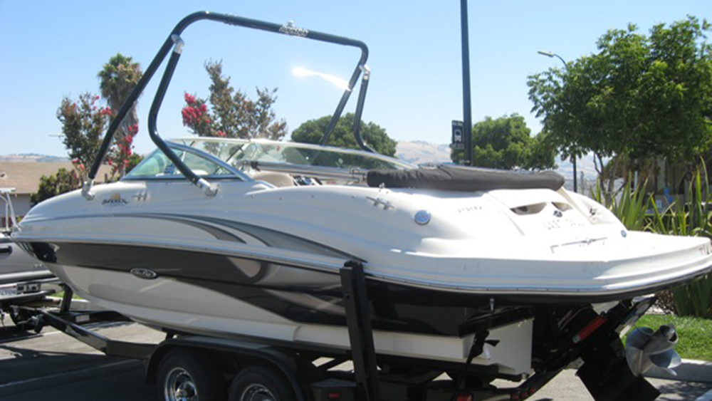 Wakeboard Tower on a 2004 Sea Ray 220 sd