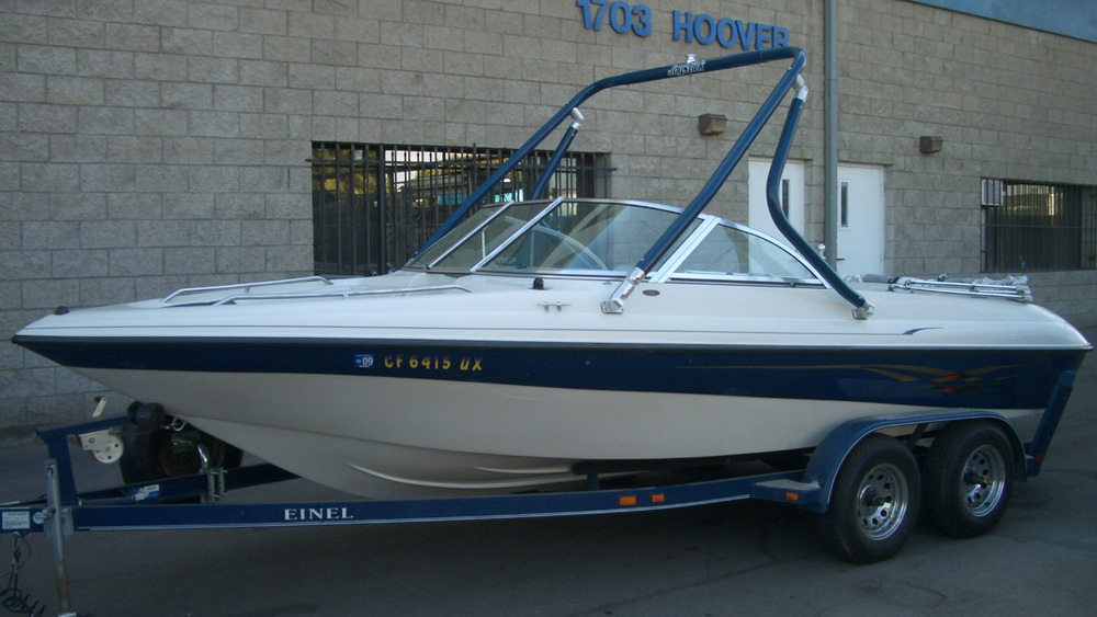 wake tower on a 2005 Reinell 203