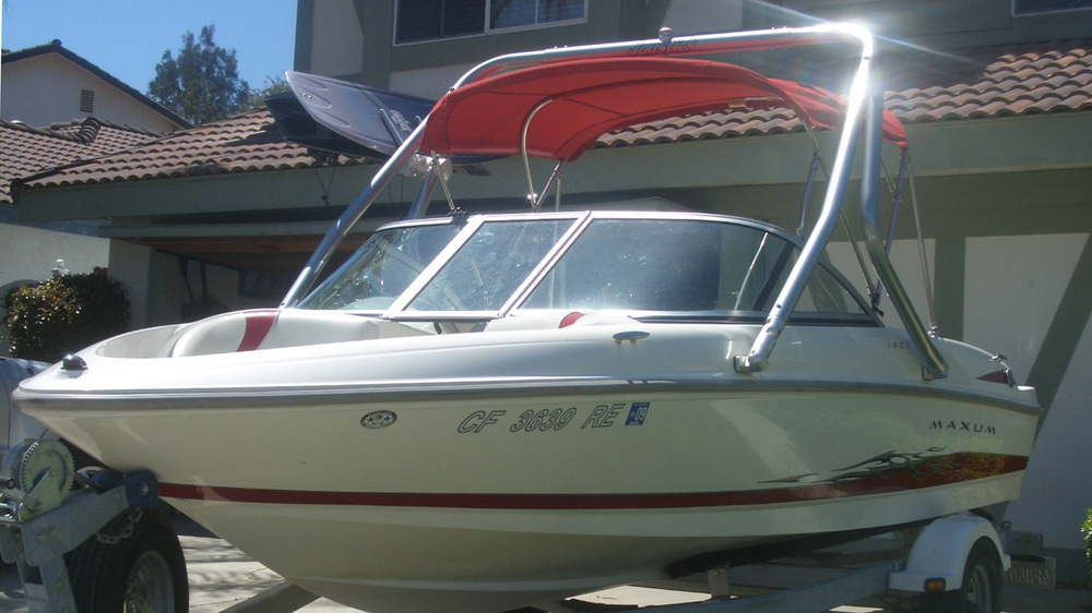 Wakeboard Tower on a 2005 Maxum 1800 MX