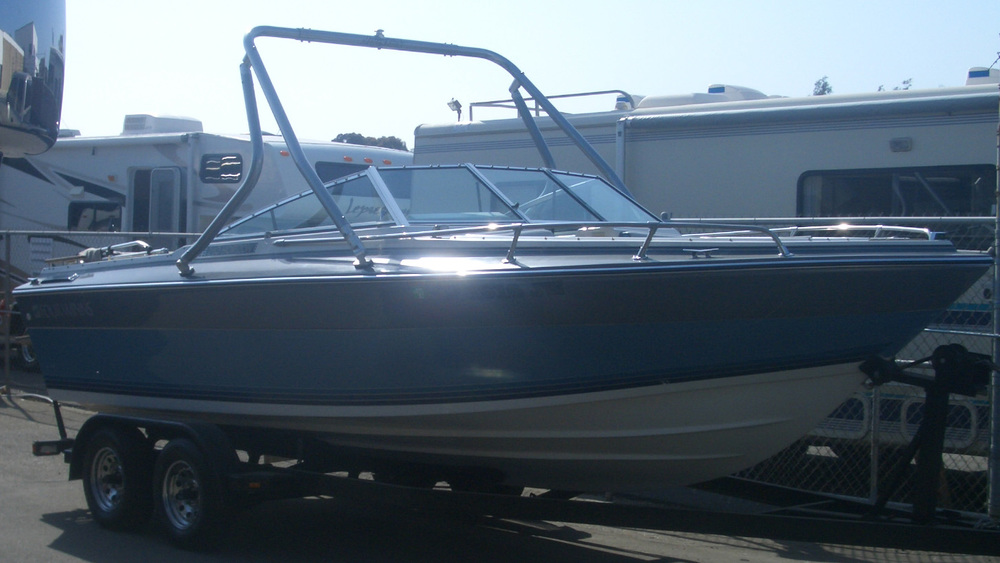 Wakeboard tower on a 1989 four winns 210