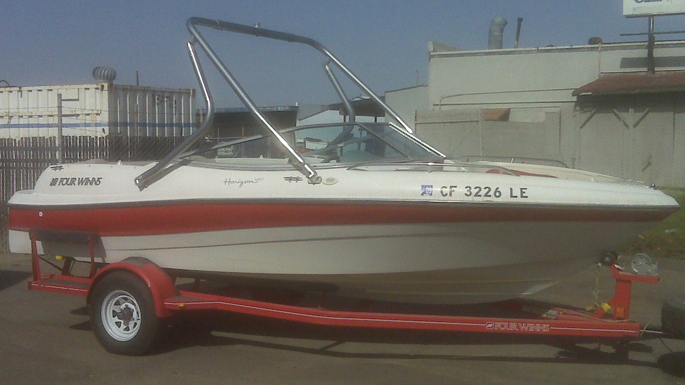 Wakeboard tower on a 2000 four winns 190 horizon