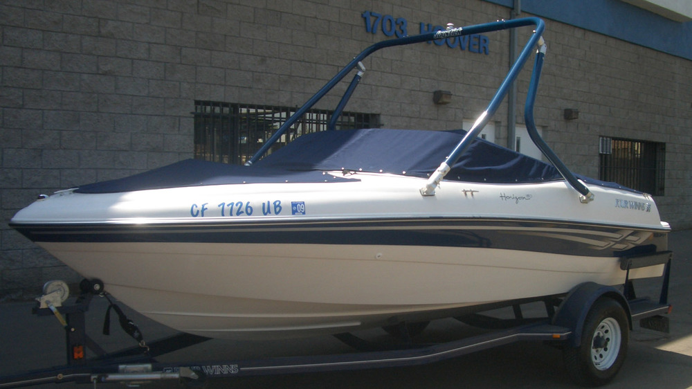 Wakeboard Tower on a 2003 four winns 180 horizon