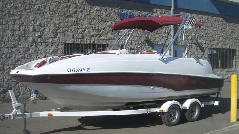 wakeboard tower on a 2001 sea-doo islandia