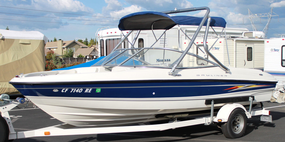 wakeboard tower on a 2005 bayliner 205