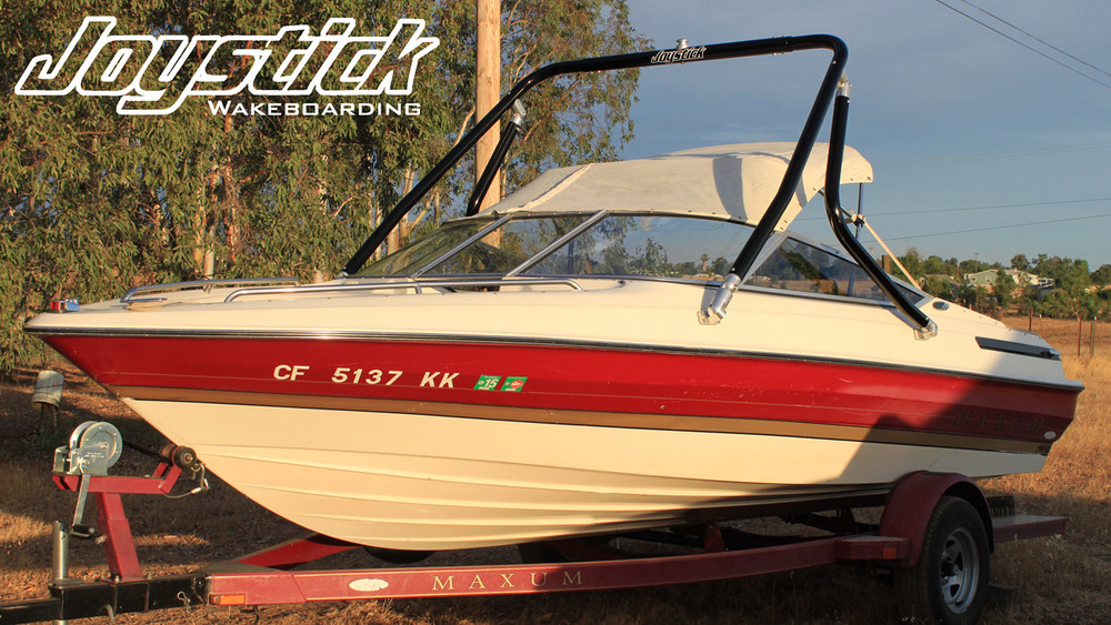 wakeboard tower on a 1992 Maxum 1800