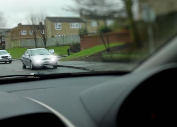 Image Credit:www.drivingtesttips.biz