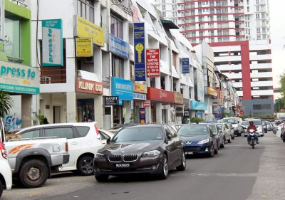 10-bad-habits-of-malaysians-double-parking