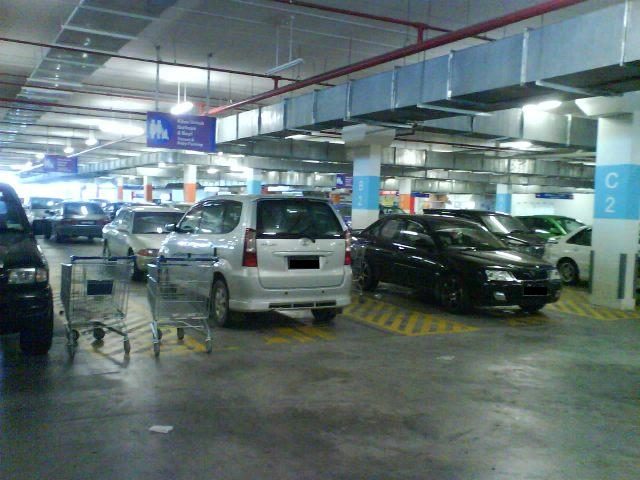 10-bad-habits-of-malaysians-leaving-trolleys-in-parking-lots