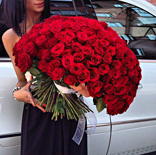10-ways-to-make-your-girlfriend-wife-happy-flowers