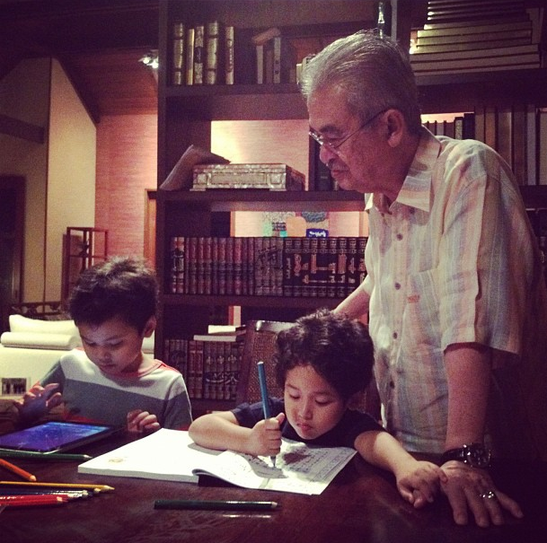11-ways-khairy-jamaluddin-is-killing-it-on-instagram-11