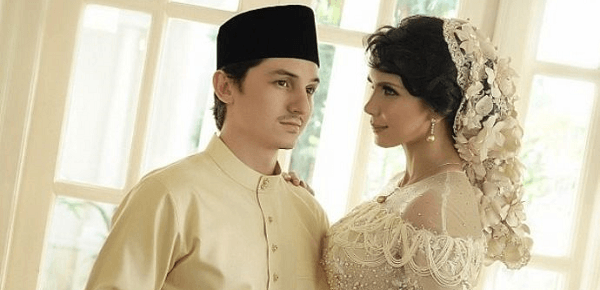 The famous couple reportedly received sponsorship worth RM13million for their wedding.